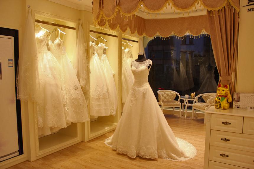 主营业务:婚纱店加盟,婚纱礼服,婚纱礼服批发,婚纱礼服工厂